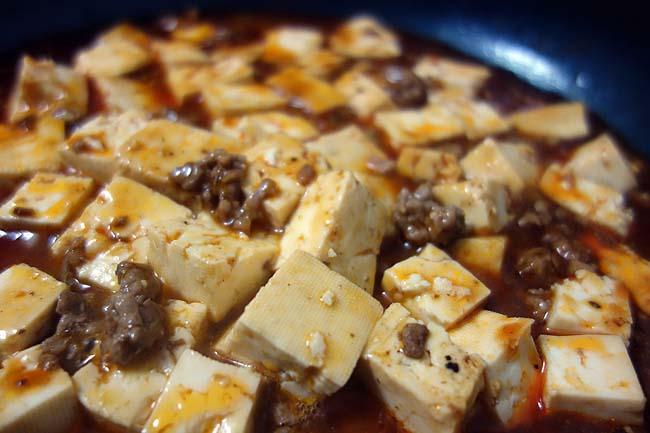 クックドゥのこの麻婆豆腐シリーズは気に入りました♪赤麻婆豆腐の素は本格中華の店で食べる味