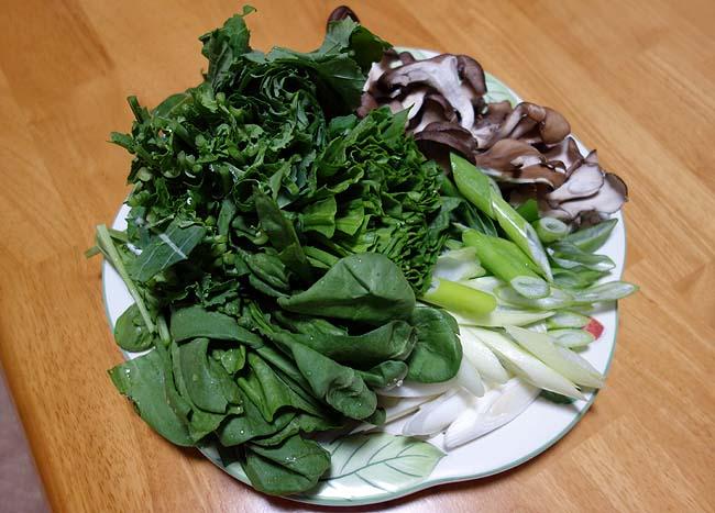 ぶりしゃぶ用のブリが半額で手に入った♪デブは野菜ときのこたっぷりのヘルシー鍋で晩酌