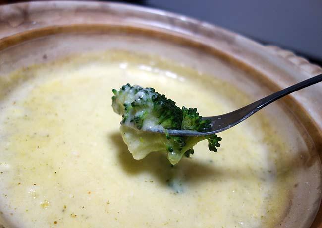 寒い夜が続く旭川なんで卓上コンロでの料理が続きます~本日はチーズフォンデュ