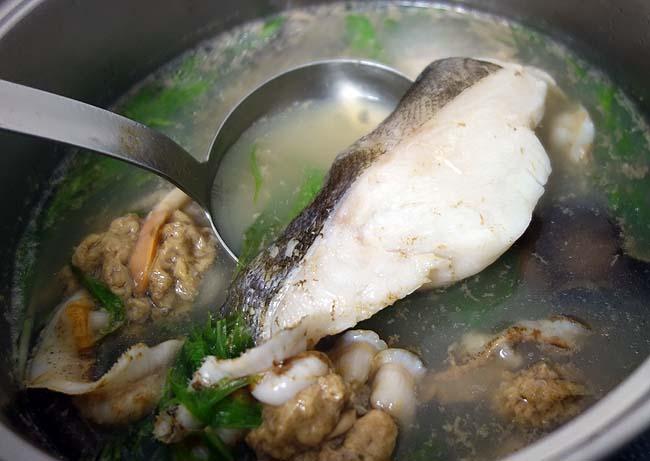 最高気温32度の暑い札幌・・・家昼呑みで北海道素材限定半額見切り鍋で飲むとしますか!
