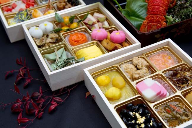 北海道では12月31日におせち料理を食べて元旦はカップヌードル?本州の人間には受け入れがたい・・・