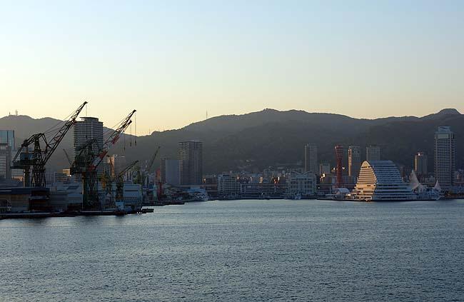 海と山に囲まれた大都会は非常に綺麗です「神戸」での貧乏セミリタイア移住について考えてみる