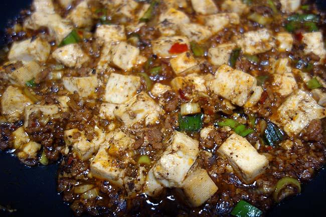 市販の麻婆豆腐の素で本格お店で食べる四川麻婆豆腐の味に仕上げるにはこれだけで充分です