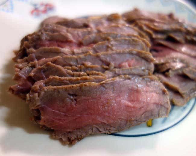 ローストビーフをお手軽簡単にオーブンを使わずフライパンだけを使って作ってみる!