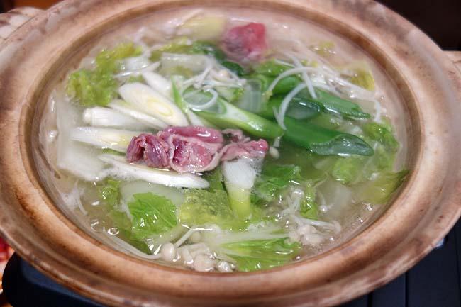 北海道ではラム(羊)肉でしゃぶしゃぶするのが一般的?豚肉と併せてのしゃぶしゃぶ鍋♪