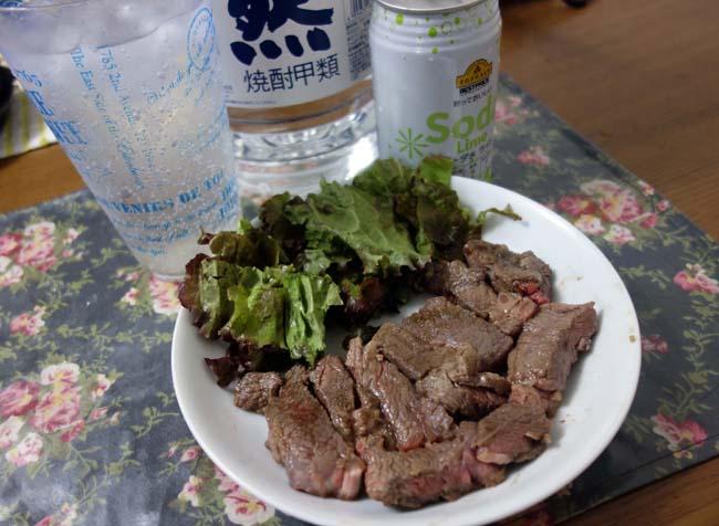 ジンギスカンを外で食う金ない私は家でがっつり300円ステーキめしでい!+鮭茶漬け