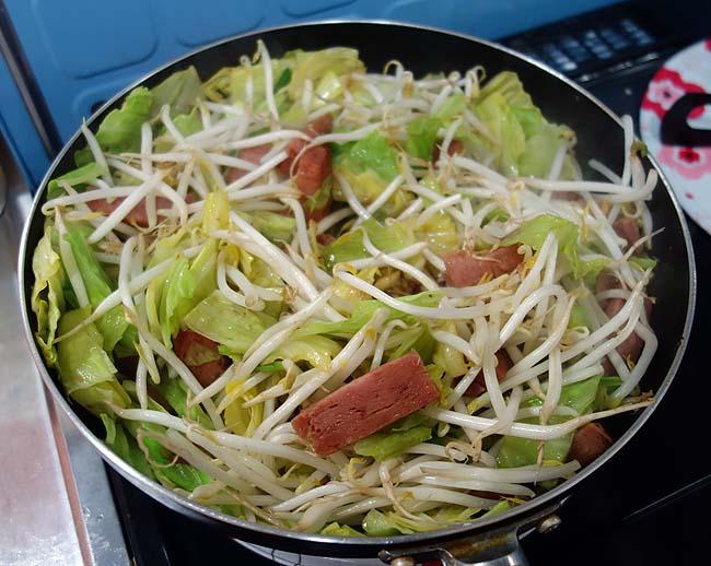 沖縄の簡単お手軽料理♪ごっちゃ炒めの豆腐ちゃんぷるーを作ってみた