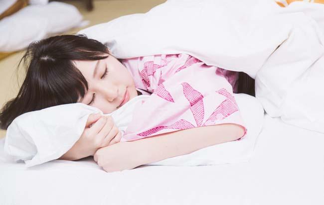 無職部屋ごもり生活では昼夜逆転してしまうのは仕方ないのか?睡眠をとるタイミング
