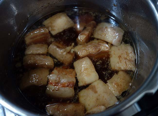 前回失敗した圧力鍋を使った「豚角煮」・・・今回はトロトロ絶妙な味付けでした♪