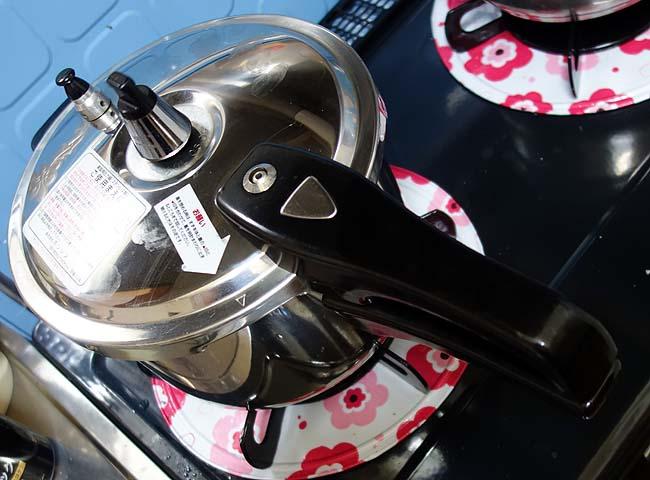圧力鍋を使った「豚の角煮」作り♪すでに居酒屋立ち飲み屋で提供できるレベルに仕上がった