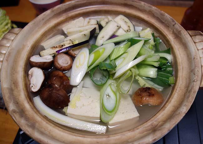 半額国産豚肉3種類を使ってタイ料理の辛くて甘いタイスキ鍋