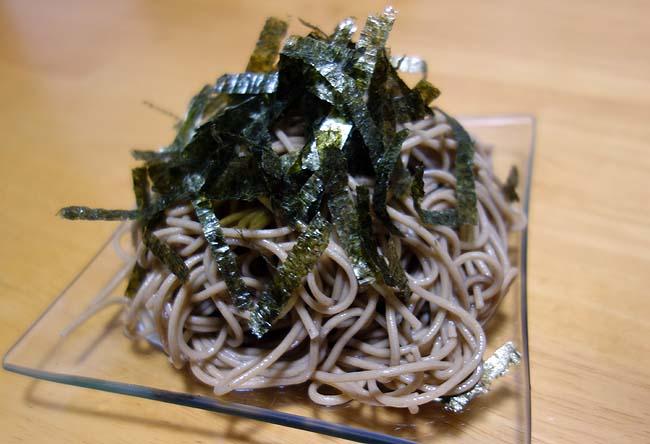 北海道産の韃靼そば乾麺8人前が送料無料で1000円ぽっきり!蕎麦好きにはたまんないね♪