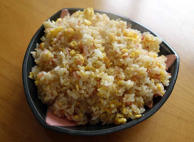 私の炒め料理基本形はこの料理ですね♪フワフワパラパラ焼飯(チャーハン)作り方