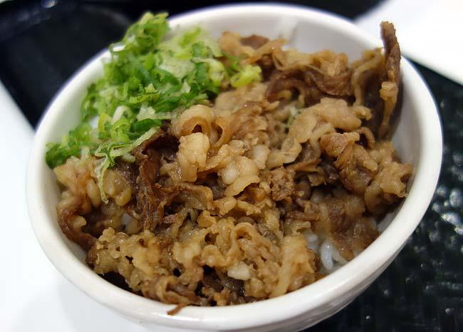 吉野家の株主優待を使って「はなまるうどん」鶏天おろし醤油うどん・牛肉丼きつねうどんセットをタダ食い