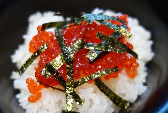 札幌の激安スーパ「マンボウ」で手に入れた380円「いくら」と200円「ホタテフライ」で晩酌