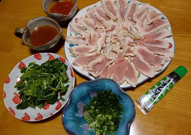 とことんレアにこだわった鶏むね肉を使ったボリュームたっぷりカオマンガイ(2種類のタレ)