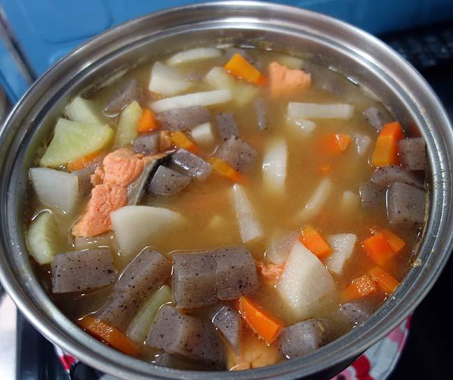 今シーズン最後の鮭かす汁♪来年へ向けてしっかりとレシピを確立させます