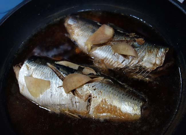 北海道ならではの魚「子持ちニシン」を使って関西風の魚煮付け