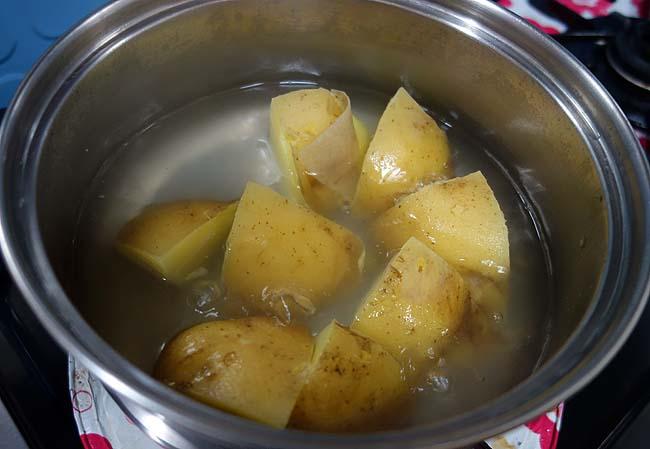 酒呑みなら誰もが大好きなポテトサラダ♪今回は「明太ベーコンポテサラ」に挑戦!