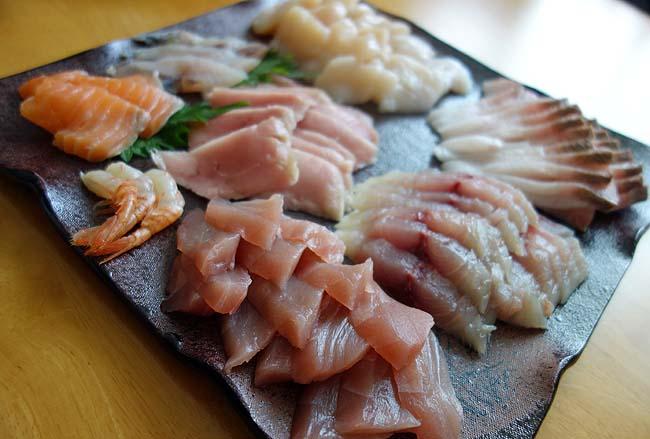 年末大晦日くらいはウニ・中トロ・鰻・すじこ等・・・豪華手巻き寿司にいたしましょう