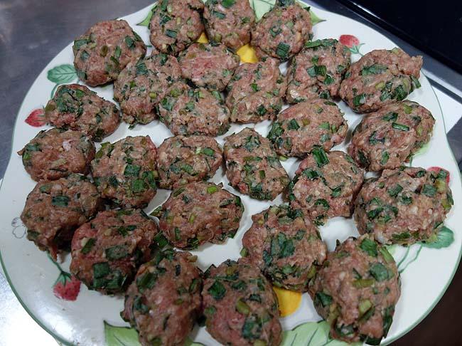 豚挽肉とニラを使ったベトナム風味「ニラつくね」こういう味好き♪