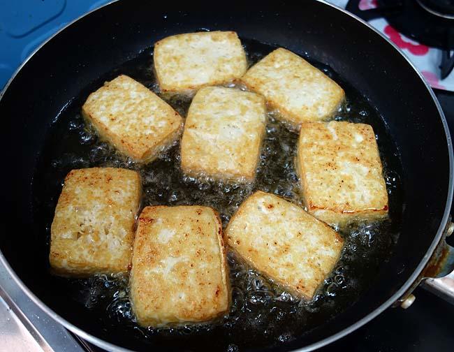 厚揚げを自家製で♪8種類の食材を準備したお得意関西風「おでん」
