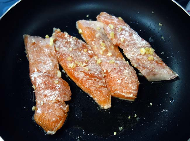 鮭のムニエル白ワイン蒸し~チンゲン菜を添えて♪こういう系統も創作できるようになった