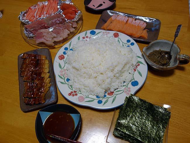 マルハが出している蟹味噌缶詰(税込197円)が旨過ぎた!いつもの半額手巻き寿司で使います