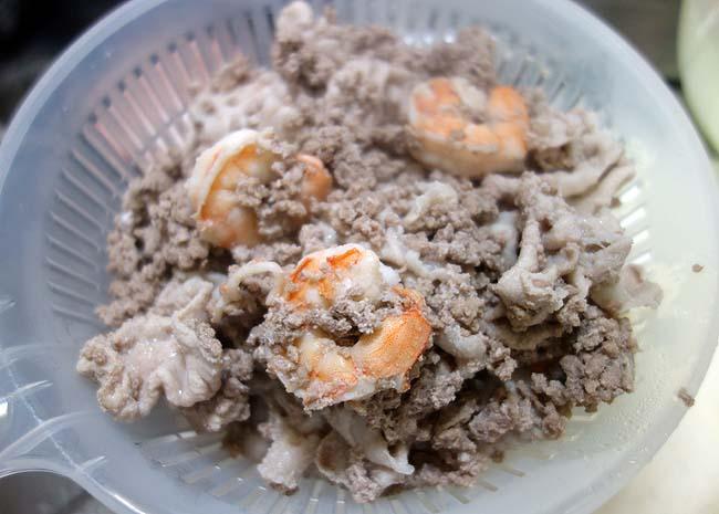 豚肉・海老を使った「ヤムウンセン」(タイ風春雨サラダ)久々のタイ料理です♪