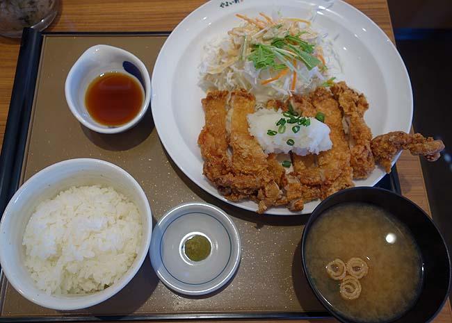 プレナス[9945]の株主優待を使ってご飯食べ放題のやよい軒「鶏もも一枚揚げ定食(おろしぽん酢)」
