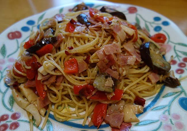 ベーコン茄子パプリカエリンギの和風醤油ペペロンチーノ~私一番に得意なパスタジャンル
