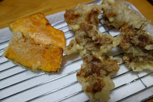 オーマイ!「天ぷら粉」は素人でもサクサクの天ぷらが簡単に作れます!豚肉とかぼちゃの天ぷら