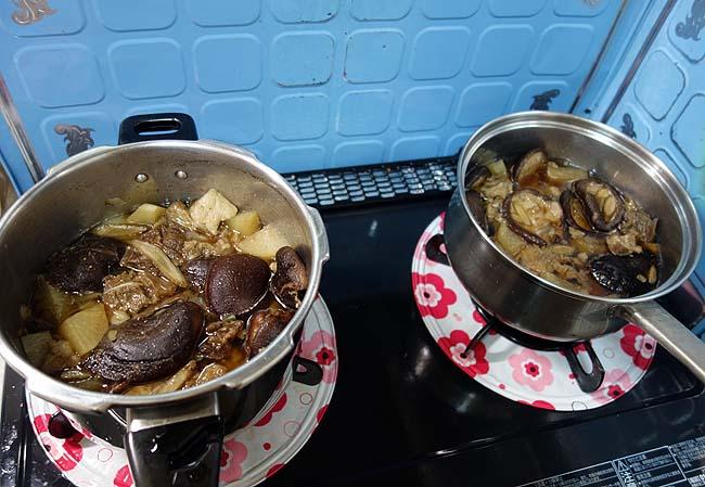 乾しいたけ(どんこ)をいただいたので牛すじとの煮込み料理に…しかし相方にびっくりされる