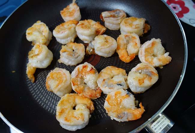この料理ってこんなに簡単やったんや♪人生初めて大好物「海老マヨ」を作ってみた