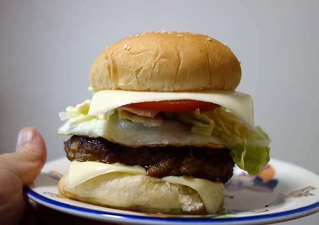 140円で7枚の白身フライをゲット!ハンバーグも作って「フィッシュ&ハンバーガー」に
