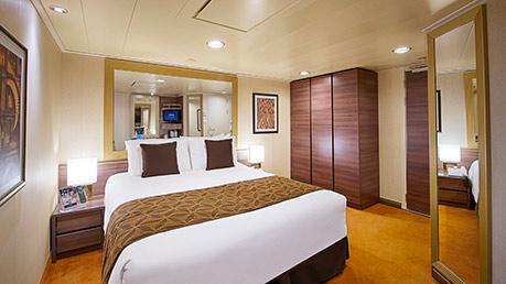 いつかはやってみたい!豪華客船クルーズでの海外旅が4泊5日2万1千8百円??内容はどうなの?