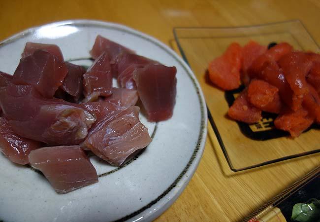 半額サーモンマヨ太巻と4種の海鮮太巻プラス鮪赤身刺身の海鮮寿司三昧!