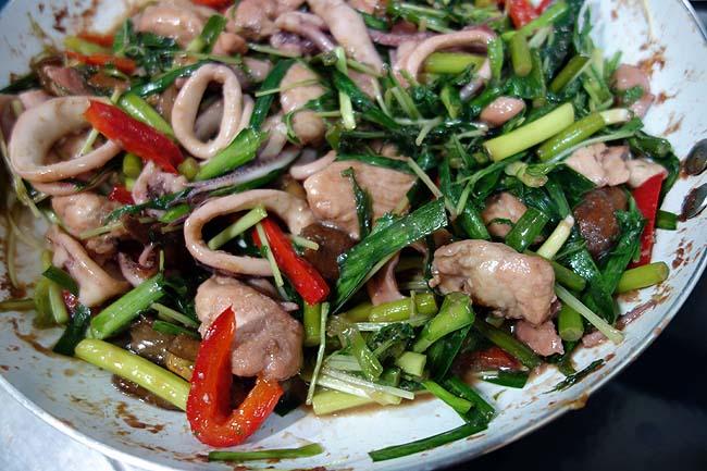 味付け無難で簡単!鶏肉・イカそして5種野菜のオイスター中華炒め