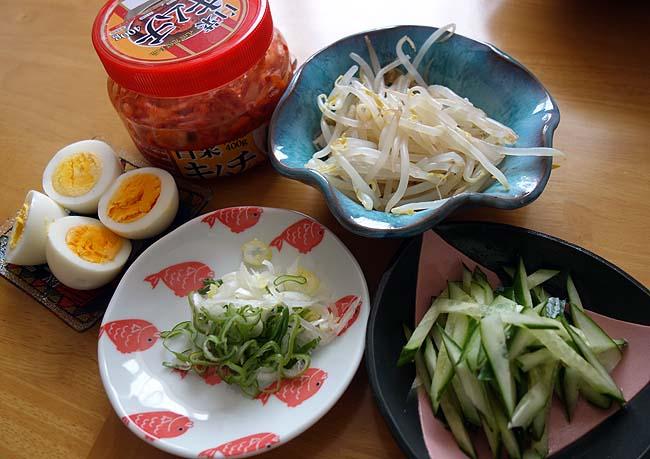 韓国シェアナンバー1「辛ラーメン」のメーカーが出してる「ふるる冷麺」が90円!