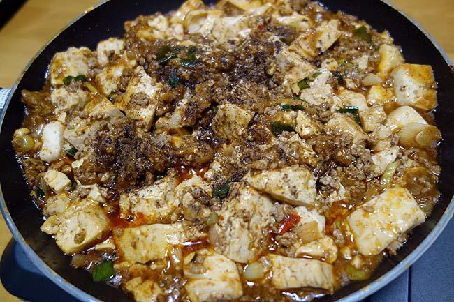肉厚トンカツサンド・まぐろでっかい鉄火巻・麻婆豆腐・鯨ベーコン・舞茸きんぴら風の小ネタ