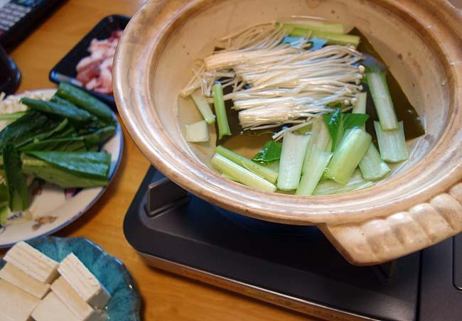 鹿児島産黒豚の切り落としを使った「ぶたしゃぶ鍋」この豚の旨味は素晴らしい