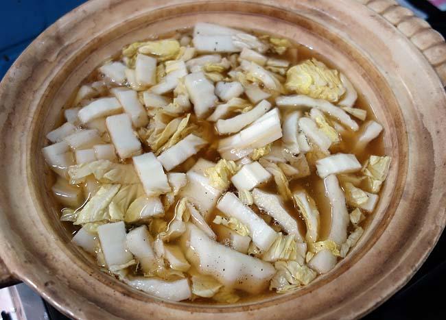 お取り寄せで買った讃岐うどんを使った名古屋名物味噌煮込み風鍋焼きうどん