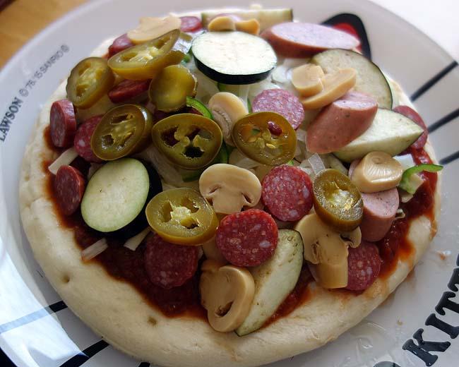 業務スーパーナポリ風ピザクラフト5枚338円を使って2種類のオーブン焼き本格ピザ