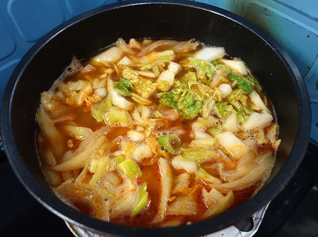 半額バナメイ海老と業務スーパー・トムヤムクンスープの素を使ってお手軽にあのタイ料理の味を